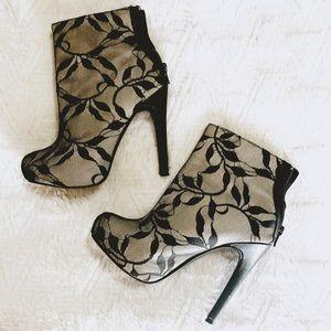 """F21"" black/tan lace booties"